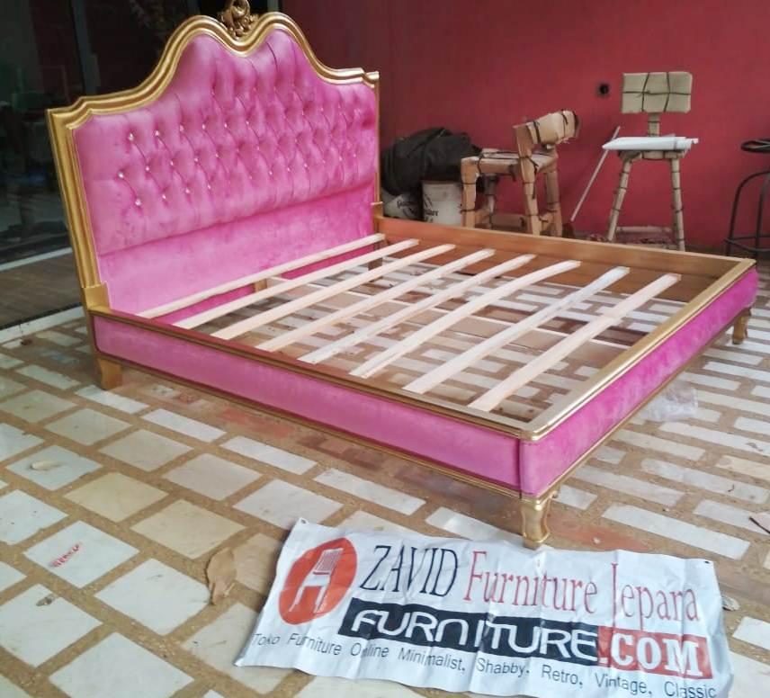 Tempat-tidur-Mewah-Pink Toko Furniture Jepara | Spesialis Mebel Jepara Online Kota Ukir Terpercaya
