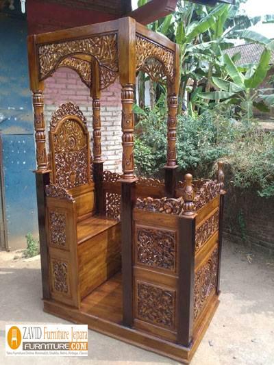 Jual-Mimbar-Ukiran-Arab-dengan-Kayu-Jati Mimbar Masjid Jogja Ukiran Kaligrafi Kayu Jati