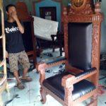 Kursi Pengadilan Hakim Kayu Jati Relief Ukiran