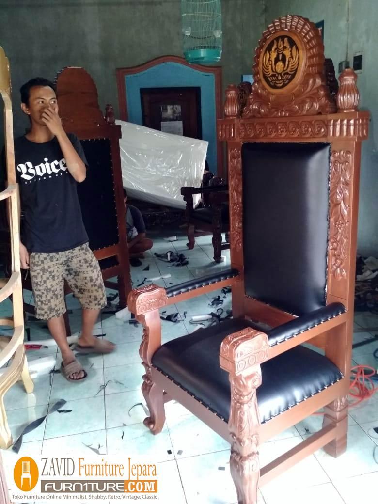 real-pict-kursi-pengadilan-2 Kursi Pengadilan Hakim Kayu Jati Relief Ukiran