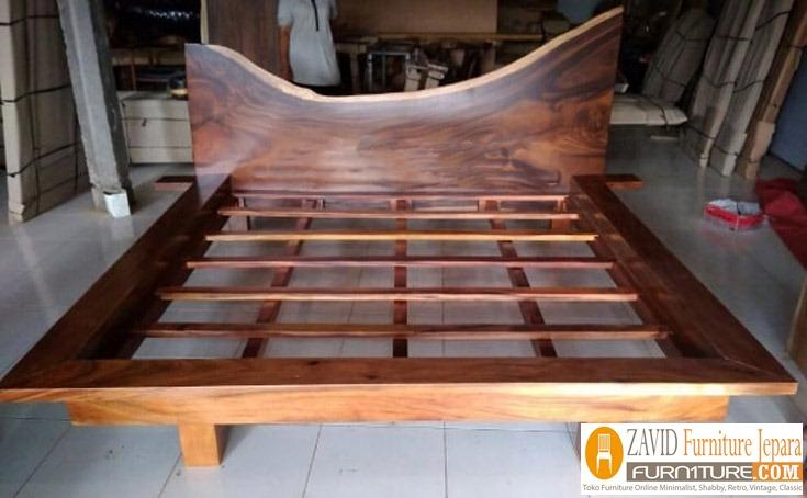 dipan-kayu-trembesi Tempat Tidur Kayu Trembesi Suar Meh Minimalis Harga Murah Jepara Terbaru