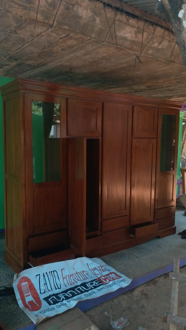 lemari-pakaian-jati-5-pintu-berkaca Lemari Pakaian Madiun Kayu Jati 5 Pintu Modern