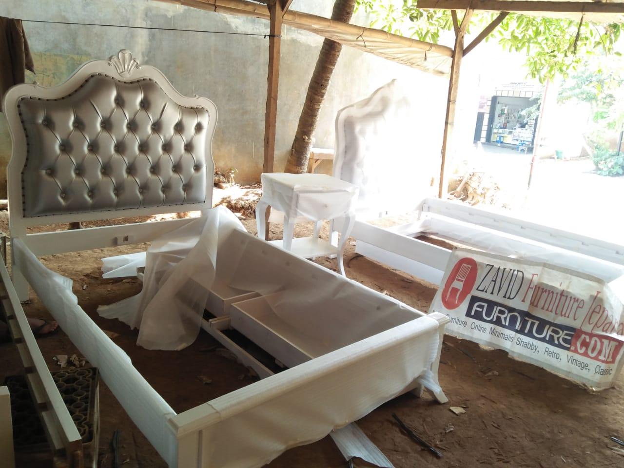 tempat-tidur-mewah-minimalis-putih-duco Tempat Tidur Demak Minimalis Mewah Putih Duco