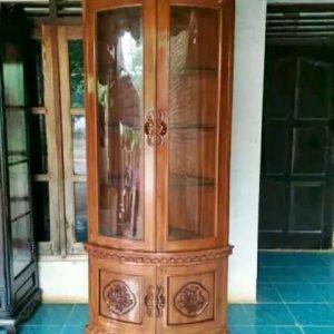 lemari hias sudut ukiran natural 300x300 - Toko Furniture Jepara | Spesialis Mebel Jepara Online Kota Ukir