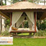Gazebo Taman Minimalis Dengan Atap Jerami