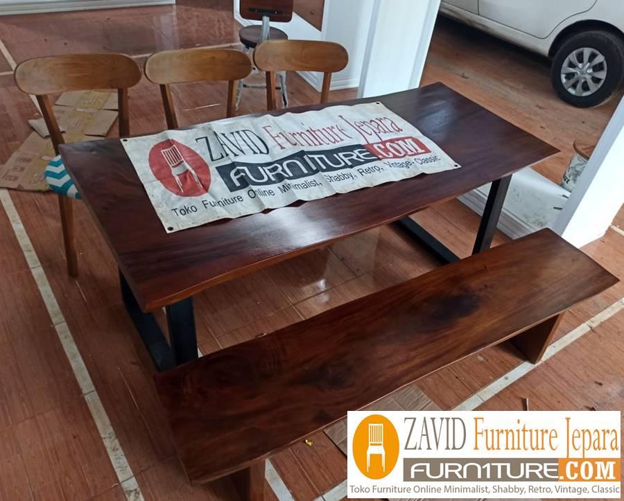 meja-makan-kayu-trembesi-desain-baru Meja Trembesi Kaki Besi Desain Minimalis Untuk Makan Sehari-Hari