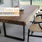 Meja Trembesi Kaki Besi Desain Minimalis Untuk Makan Sehari-Hari