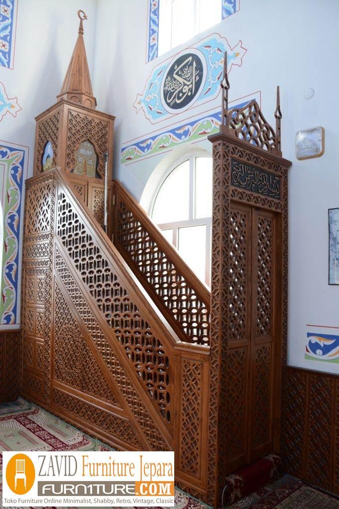 mimbar-masjid-jati-jepara Model Gambar Mimbar Masjid Nabawi Madinah Yang Terkenal