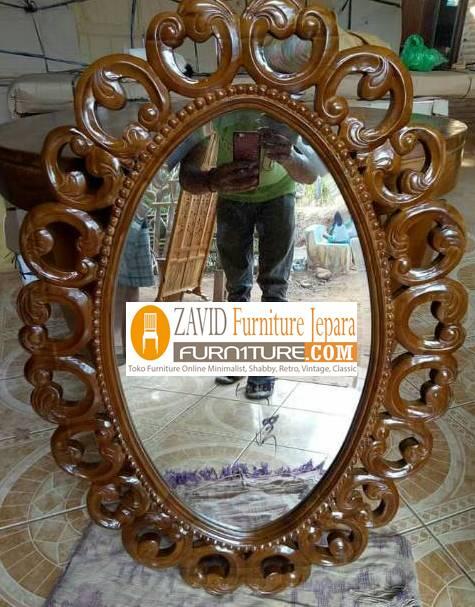 pigura-ukiran-kayu-jati-oval Pigura Cermin Kota Bandung Desain Oval Ukiran Modern