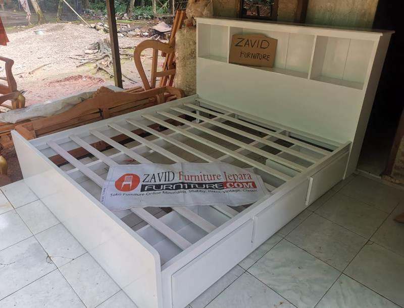 tempat-tidur-minimalis-laci Dipan Minimalis Laci Putih Duco Mahoni Solid