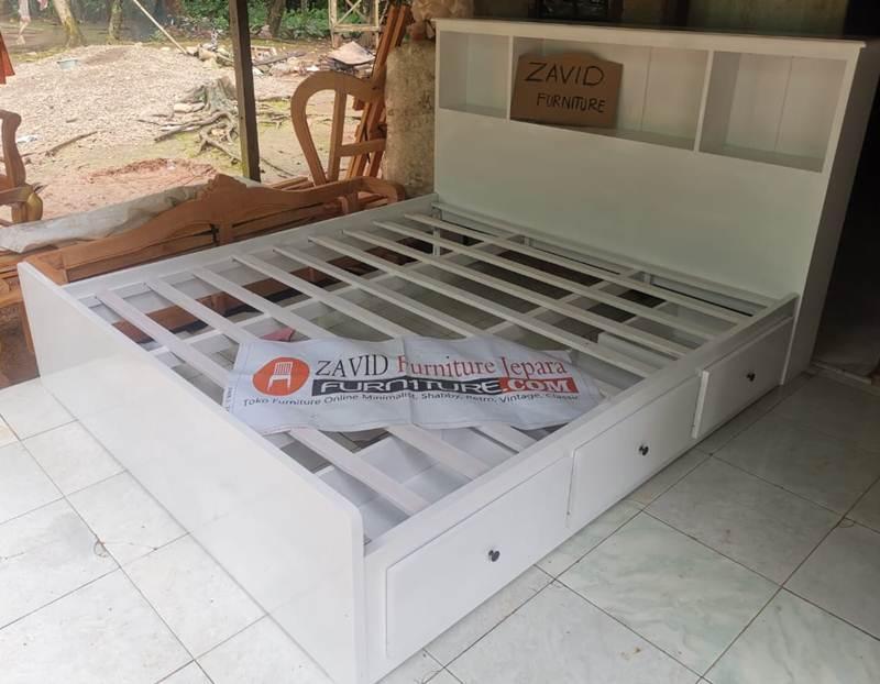tempat-tidur-putih-duco-minimalis-laci Dipan Minimalis Laci Putih Duco Mahoni Solid