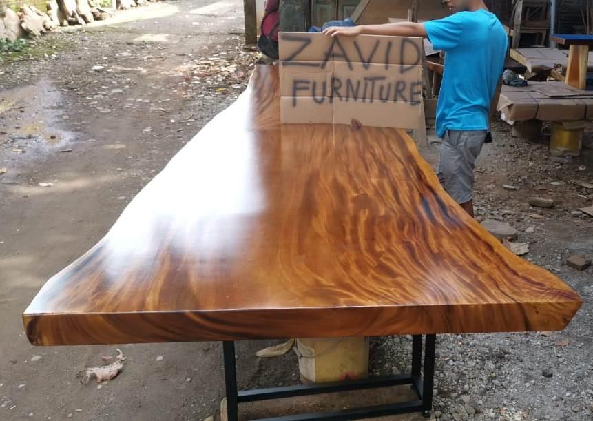 meja makan kayu trembesi kaki besi modern - Meja Trembesi Malang Model Panjang Kaki Besi Untuk Ruang Makan