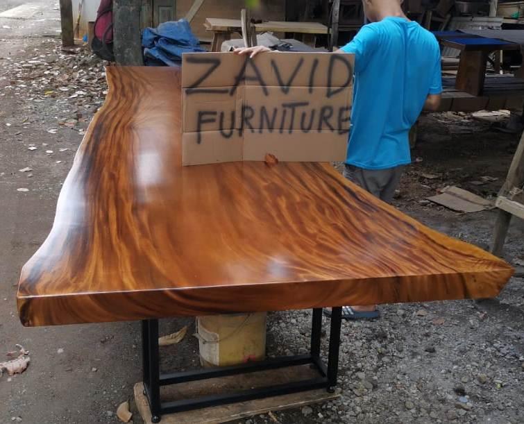 meja makan trembesi kaki besi desain baru unik - Meja Trembesi Malang Model Panjang Kaki Besi Untuk Ruang Makan