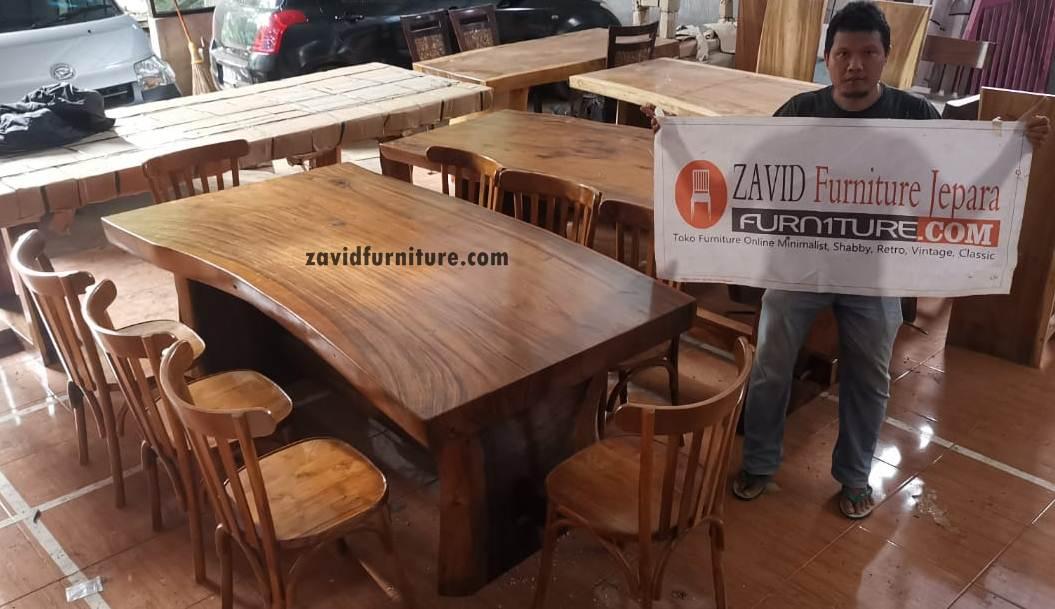 set meja makan trembesi 8 kursi - Set Meja Makan Trembesi 8 Kursi Kayu  Solid