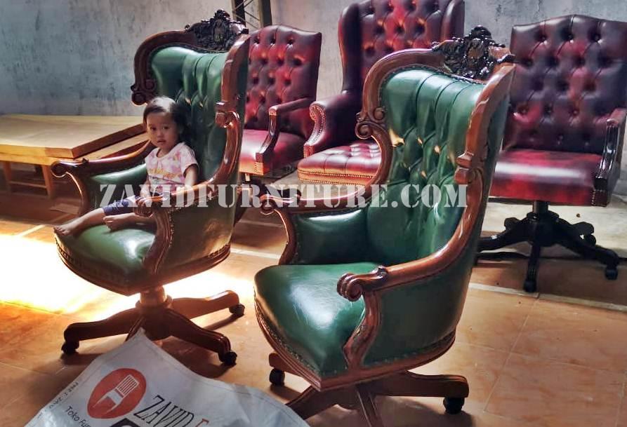 kursi direktur kantor kulit asli - Kursi Kantor Gresik Bahan Kulit Asli Berkualitas